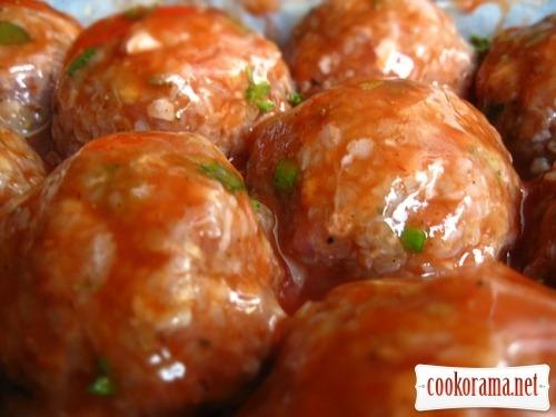 Тефтели с гречкой под томатным соусом
