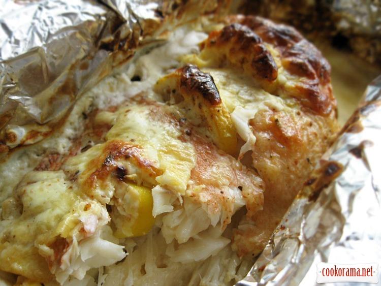 Морской окунь запеченный в сырном соусе