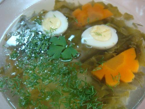 Суп зі щавлем та перепелиними яйцями