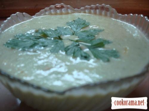 Суп-пюре кабачковый с сыром и гренками