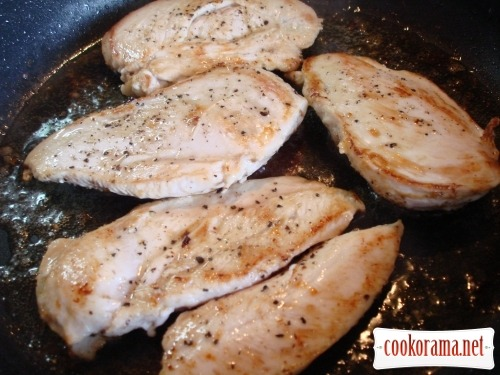 Chicken fillet with apples