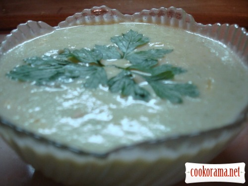 Суп-пюре кабачковий з сиром і грінками