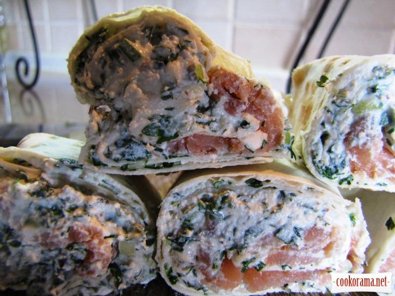 Закуска з сиру з зеленню та лососем