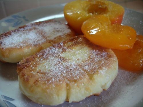 Сирники з фруктами