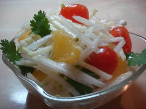 Салат оригинальный - из редьки и зеленого яблока