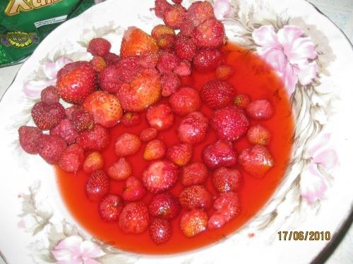 Молочна полуниця