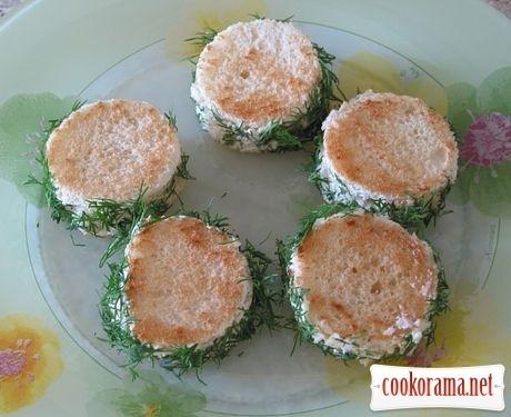 Мини-бутерброды с красной икрой «Сальери»