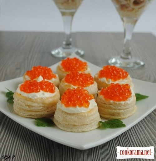 Vol au vent with red caviar