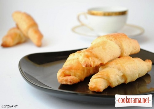 Cheese crescent rolls