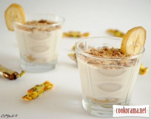 Curd-banana dessert