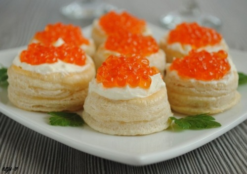 Vol au vent with red caviar
