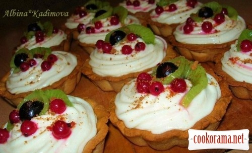 Tartlets with curd cream