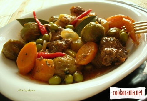 Ragout with summer vegetables