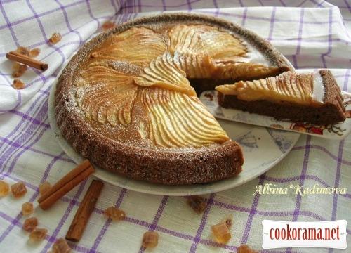 Шоколадно-грушевый пирог с карамелью