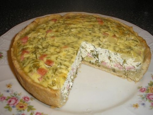 Curd quiche with sausage