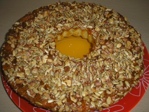 Cheese ring with sunflower seeds