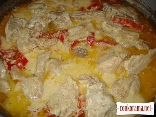 Chicken in sour cream gravy