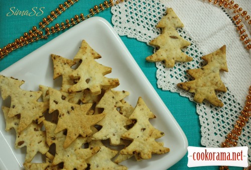 Crackers with olives «Christmas trees»