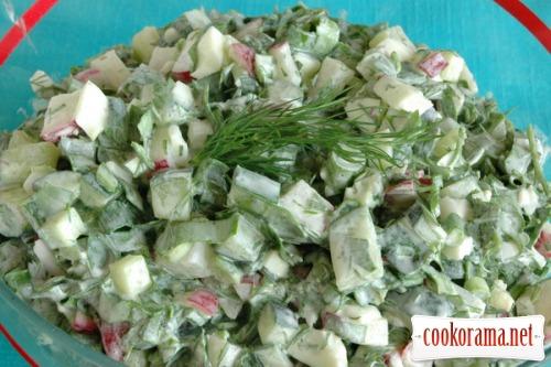 Балык из куриного филе и салат с черемшой