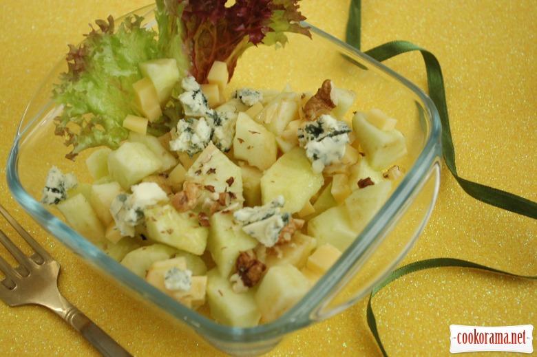Салат с горгонзолой «Каприз»