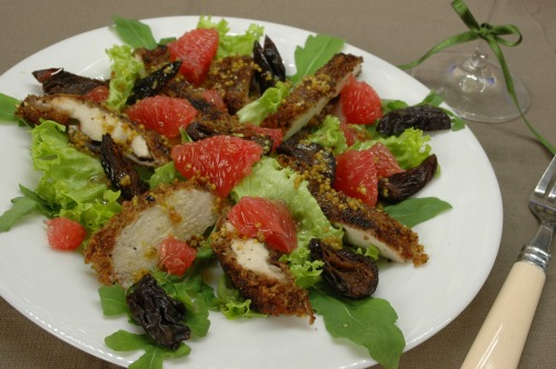 Salad with chicken fillet and grapefruit