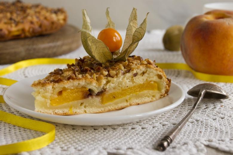 Быстрый рецепт пирога с персиками