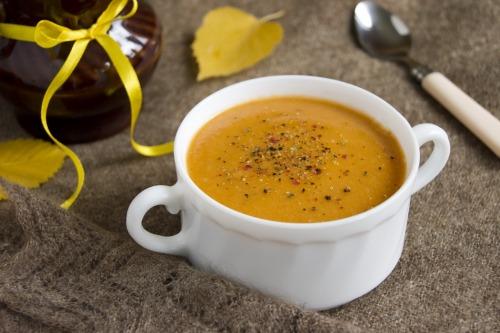 Чечевичный суп-пюре с баклажаном