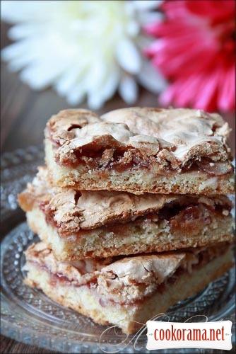 Песочное печенье с джемом и ореховым безе