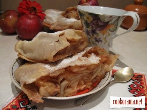 Струдель с яблоками