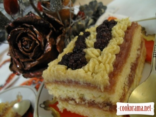 Cakes with blackberries