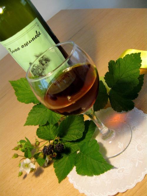 Вино ежевичное
