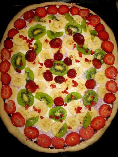 Фруктово-ягідна піца