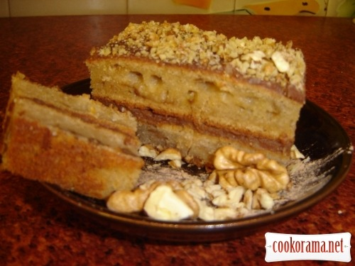 Honey cake with chocolate-nut cream