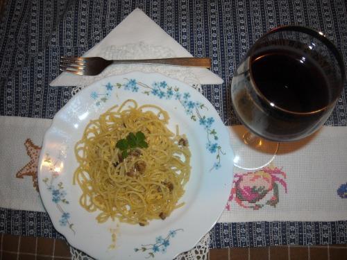 Спагетти с яйцом  и беконом