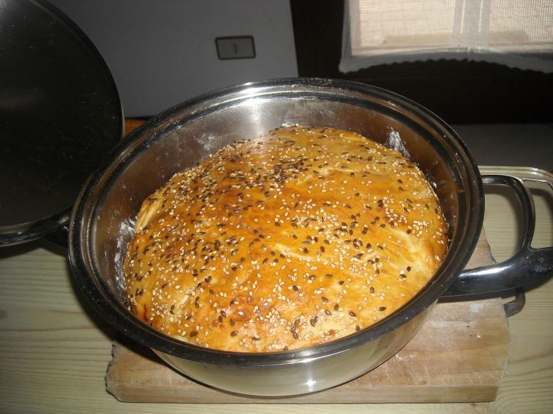 Хліб в каструлі