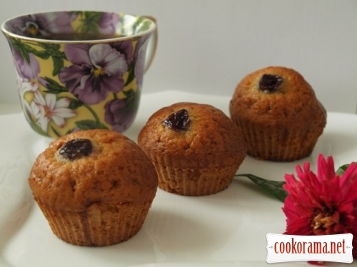 Ginger cakes with fruit