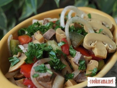Салат из языка с шампиньонами