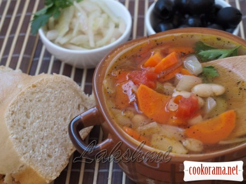 Фассолада - греческий фасолевый суп
