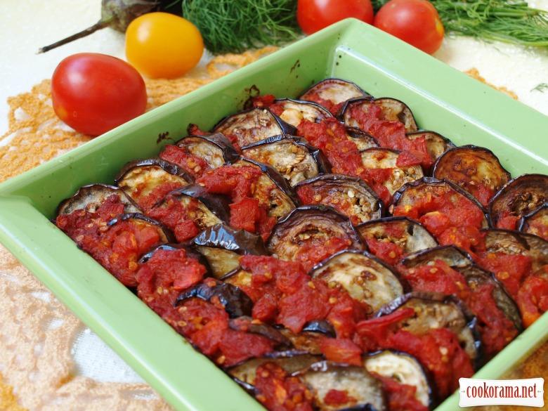 Баклажаны в томатно-коричном соусе