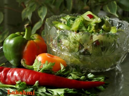 Острый салат-закуска из зеленых помидоров