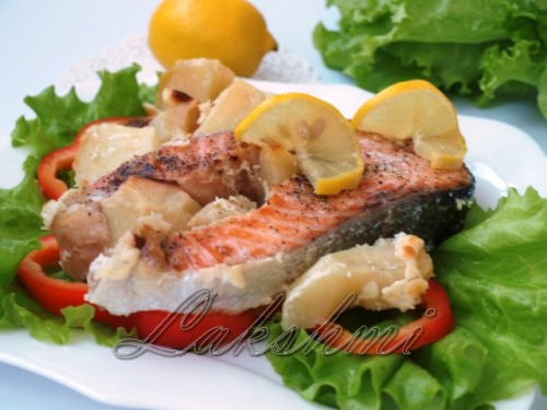 Salmon with potatoes baked in cream