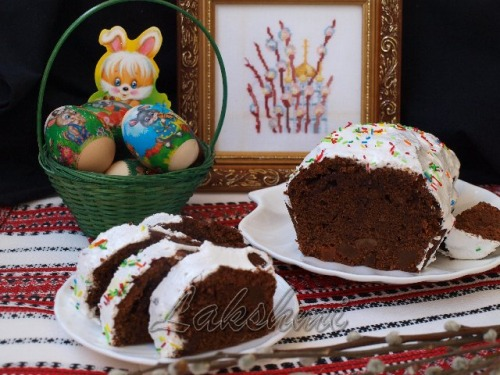 Пасхальный шоколадный кекс с цукатами
