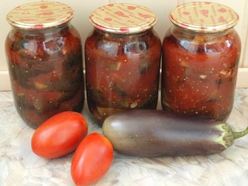 Eggplants in tomato