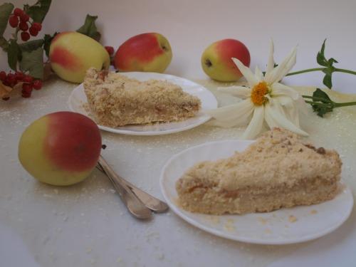 Яблучно-сирний пиріг