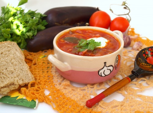 Lean borsch with eggplants
