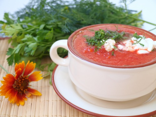 Cream borsch from apples and beetroots