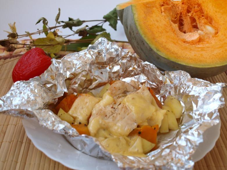 Тыква и картофель запечённые с куриным филе