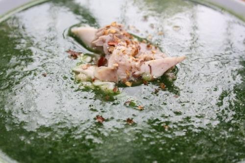 Суп-пюре зі шпинату з копченою куркою