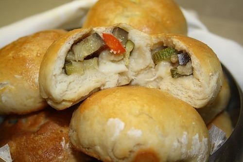 Панини с печеными овощами и сыром