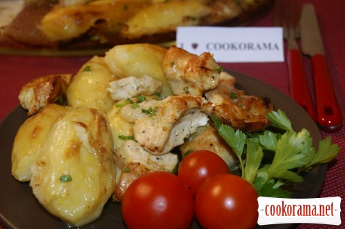 Juicy chicken fillet with potatoes - cook quickly!
